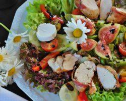Salatteller vom Hühnerhof